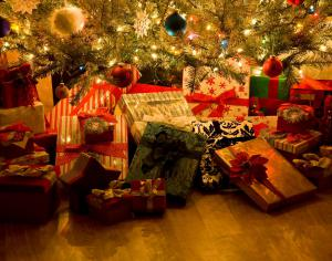 under_the_christmas_tree_300x2000q75